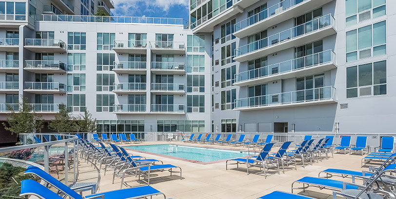 apartments with pool in stamford beacon harbor point blt live work play