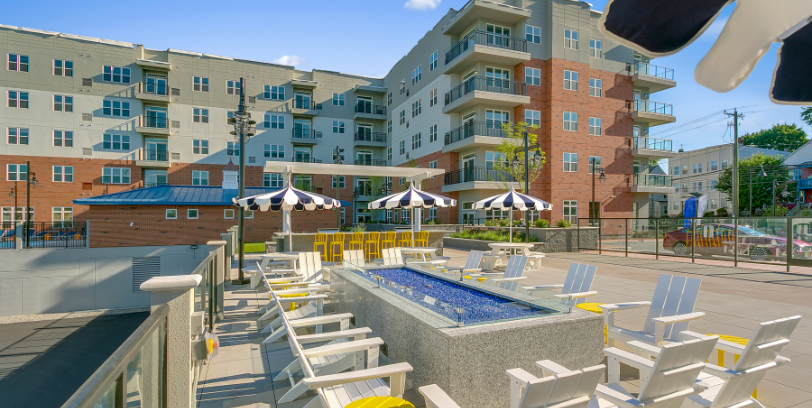 harbor landing apartments great outdoor amenities in stamford blt